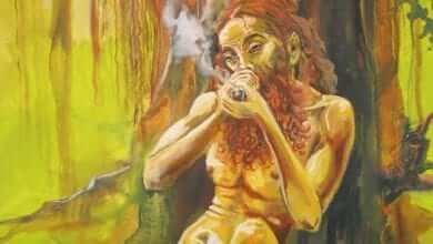 ציור של הודי מעשן ג'אראס בצ'ילום - עד היום זהו הכלי נפוץ ביותר בהודו לצריכת קנאביס