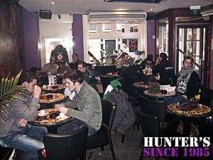 מעשנים ונהנים ב- Hunters