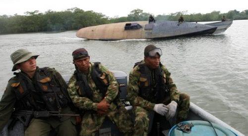 כוחות צבא קולומביה תופסים צוללת להברחת סמים