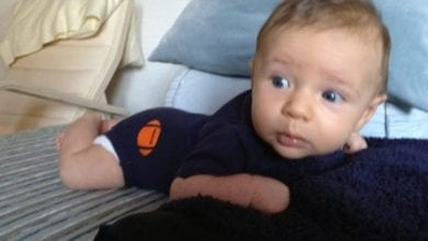 "Photo of ""תינוק הפלא"": בן 8 חודשים מחלים מגידול סרטני במוח בעזרת קנאביס רפואי"