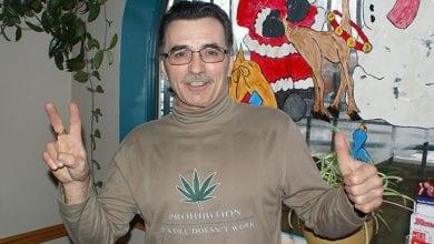 Photo of זכה ב-25 מיליון דולר בלוטו, תורם את הכסף למען לגליזציה של מריחואנה