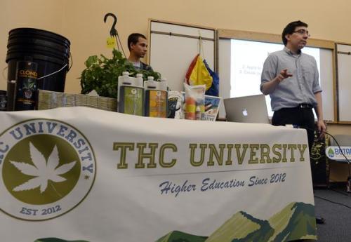 שיעור ראשון באוניברסיטת THC