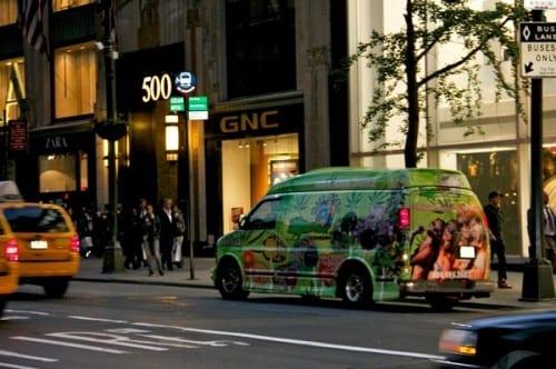 הרכב הצבעוני ברחובות ניו יורק