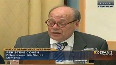 "Photo of חבר קונגרס מתפרץ לנאומו של התובע הכללי: ""הפסק את המלחמה בסמים"""