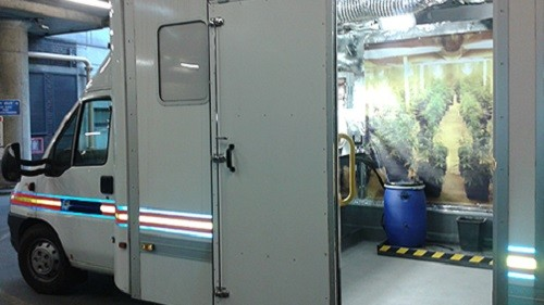 מעבדה לגידול מריחואנה ברכב