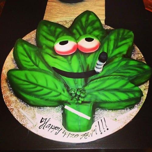 עוגת המריחואנה של ריהאנה