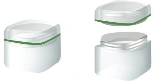 צנצנת עם מכסה זכוכית מגדלת