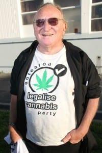 מייקל אפלבי, מנהיג מפלגת עלה ירוק בניו זילנד