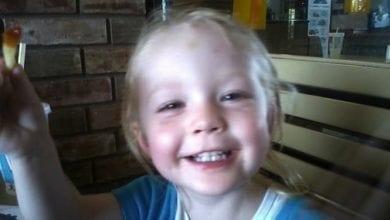 """Photo of ארה""""ב: בת שנתיים נלקחה מהוריה בגלל שעישנו מריחואנה ומתה בבית המשפחה החורגת"""