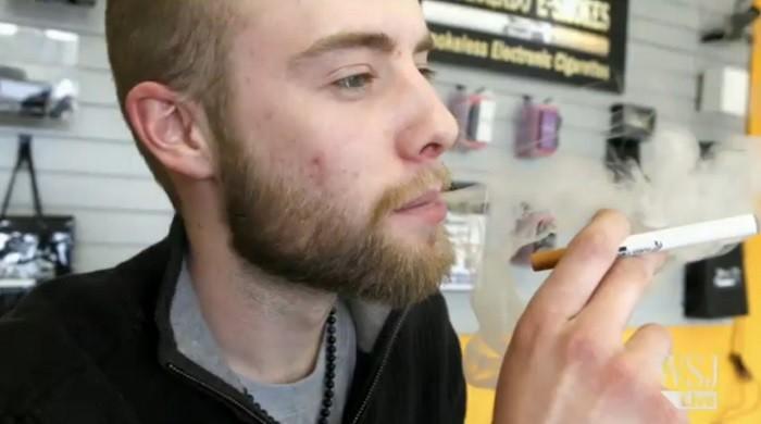 מעשנים מריחואנה בסיגריות אלקטרוניות