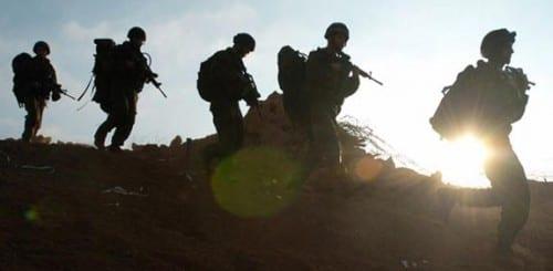 """חשד: חייל צה""""ל קיבל סמים וכסף מפלסטינים - בתמורה להיתרי כניסה לישראל"""