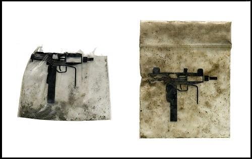 שקיות סמים עם עיצוב נשק