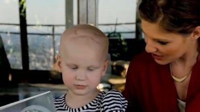 "Photo of אם לבת 3 הסובלת מסרטן המוח: ""מריחואנה מצילה את חייה"""