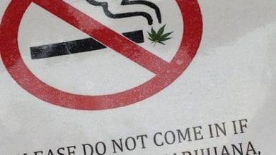 """Photo of מספרה בקולורדו: """"בגלל הריח – אין כניסה למעשני מריחואנה"""""""