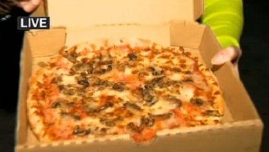 """Photo of סבתא ונכד הובהלו לבית חולים: """"הפיצה הייתה מלאה במריחואנה"""""""