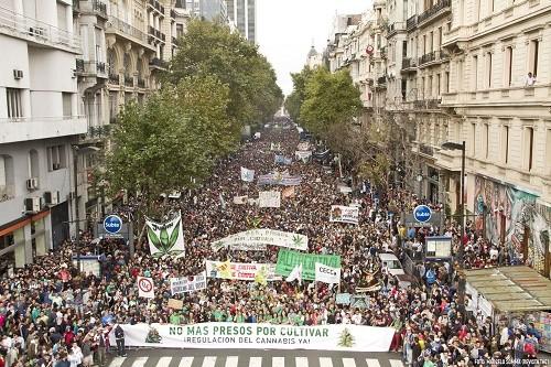 צעדת הקנאביס בואנוס איירס ארגנטינה