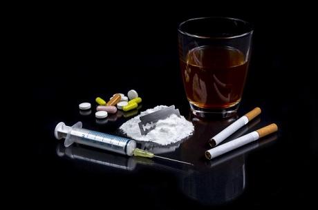 אלכוהול, טבק, קוקאין, הירואין ואקסטזי