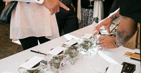 טרנד חדש בעולם החתונות: בר מריחואנה עם 13 זנים שונים