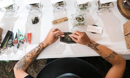 חדש בעולם החתונות - בר מריחואנה