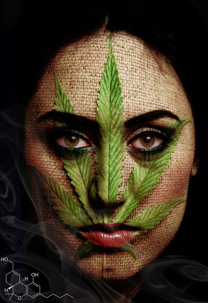 אשה תחת השפעת מריחואנה