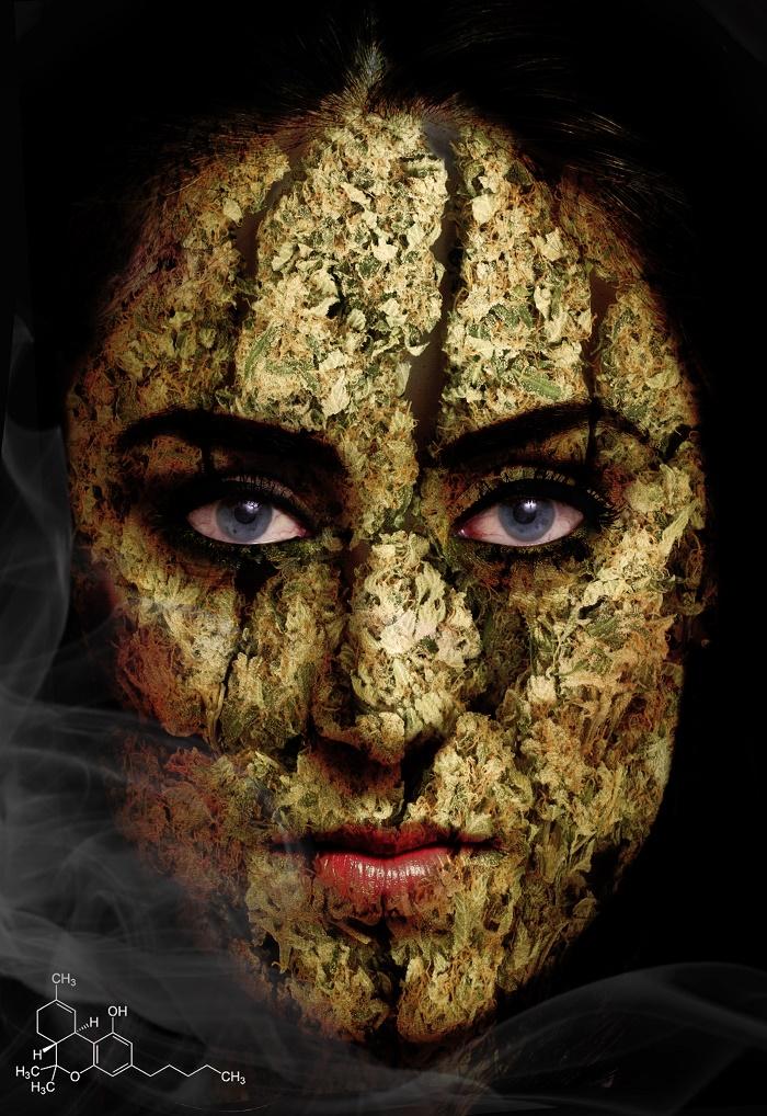 אשה תחת השפעת THC