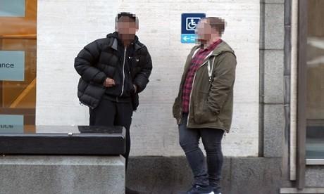 סחר בסמים ב'טינדר' ו'אינסטגרם' - שני סוחרים נפגשים למכירה