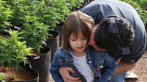 שארלוט פיגי – ילדה חולת אפילפסיה המטופלת בשמן קנאביס רפואי