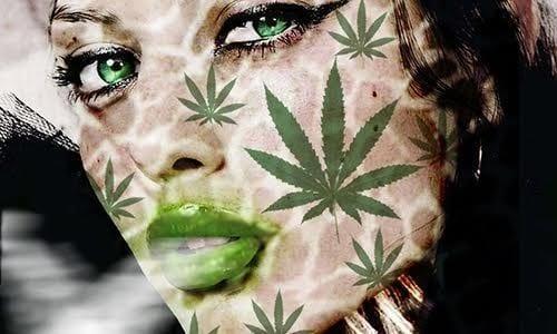 אישה שעל פניה מצויירים עלי קנאביס