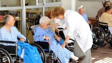Photo of לראשונה: קשישים במוסדות סיעודיים יקבלו קנאביס רפואי