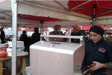 מועדון קנאביס באנגליה חילק ארוחות חג להומלסים