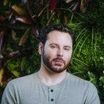 שון פארקר - מייסד 'נאפסטר' ויזם טכנולוגי מולטי מיליונר, עובר לתמוך בלגליזציה