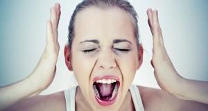 אשה כאב ראש