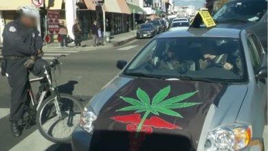קונאן אובריאן מעשן קנאביס בשיעור נהיגה