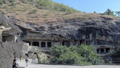 Photo of מערות בהודו נשתמרו אלפי שנים בזכות סיבי המפ