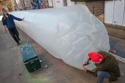 מושכים אש: פעילי הלגליזציה הכינו ג'וינט קנאביס באורך 20 מטר