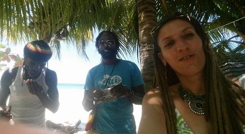 שושה אוניימה והרנדג'ה בג'מייקה - תמונה מחשבון הפייסבוק של שושה