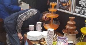 מזרקת קנאביס במסיבה - מועדון קנאביס בעיר ברמינגהם, בריטניה