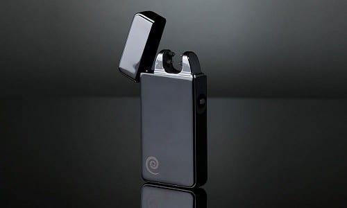 """""""פלזמטיק איקס"""" (מצת חשמלי נטען USB) - הדור הבא של המצתים, בכלל ללא אש"""
