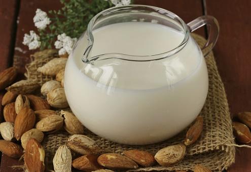 בהאנג לאסי - משקה חלב ושקדים אותנטי מהודו