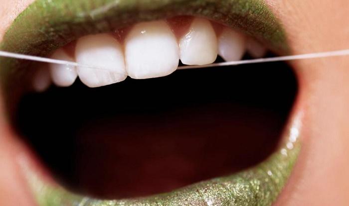 חוט דנטלי שפתיים ירוקות