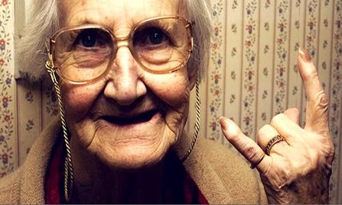 """אידוי קנאביס (מתוך: """"5 תרופות סבתא נגד """"סאטלה רעה"""" של קנאביס"""")"""
