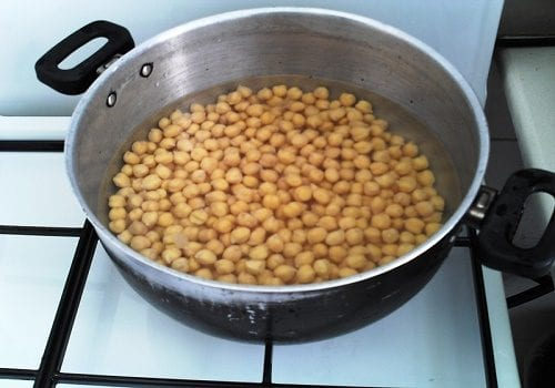 Chickpeas in a pot (Israeli asli: a recipe for hummus with cannabis oil)