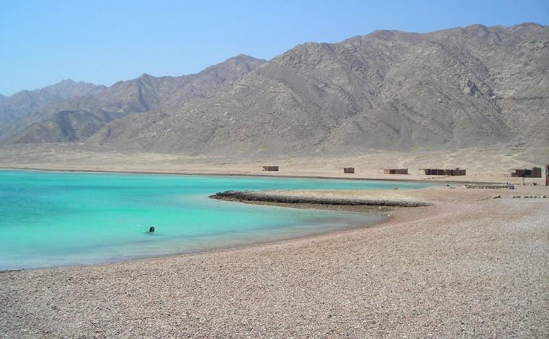 رأس أبو جالوم - البحيرة الزرقاء