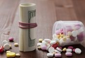 חברת התרופות שנלחמת בלגליזציה – מייצרת תרופה מקנאביס סינטטי