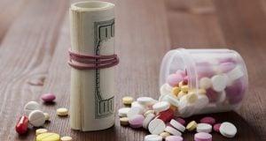 שטרות דולרים כדורי משככי כאבים
