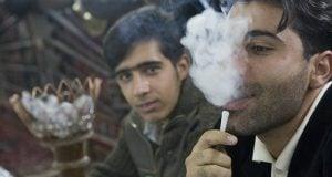 איראנים מעשנים