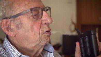 Photo of קשישים ישראלים מעשנים קנאביס רפואי