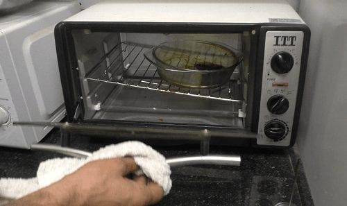 מכניסים קנאביס לתנור