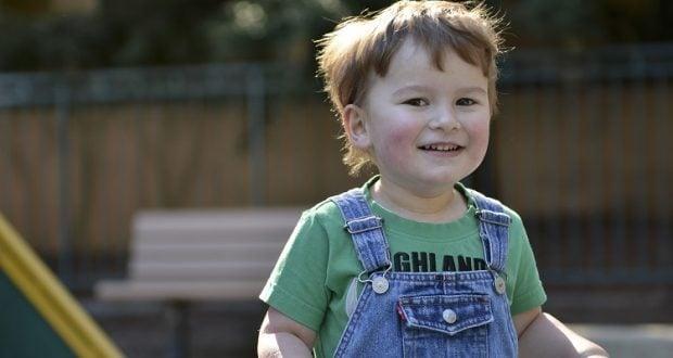 ילד עם אוטיזם