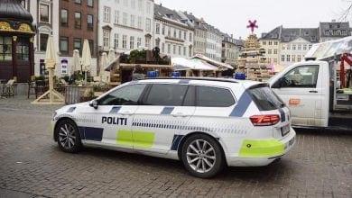 """Photo of """"חשב שזאת מונית"""": נכנס עם 1,000 ג'וינטים לניידת משטרה"""
